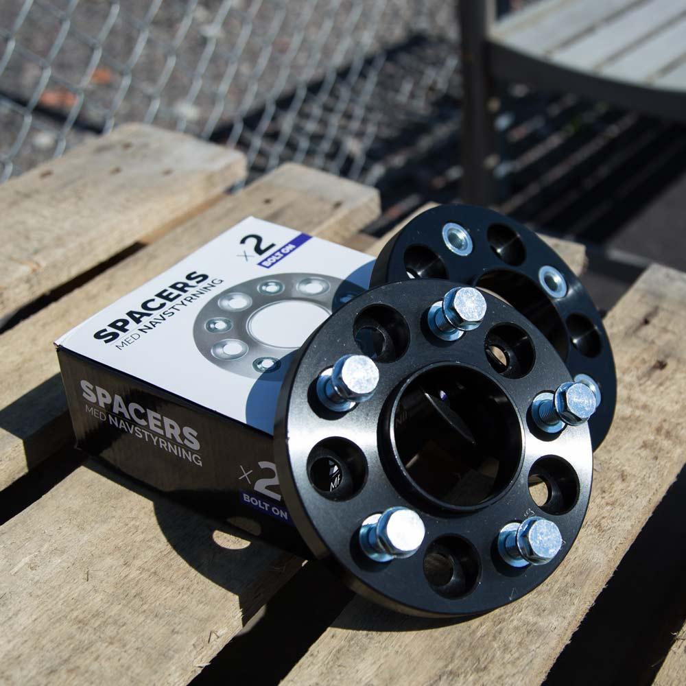 Black spacers 20mm Bmw