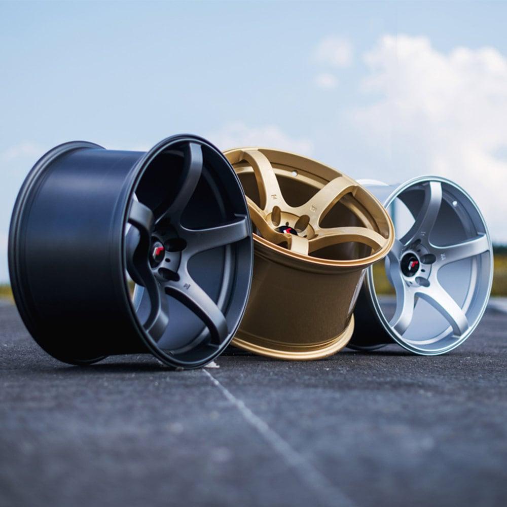 Japan Racing JR32 Gold